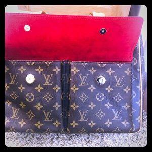 Authentic Louis Vuitton Multipli-cite Handbag